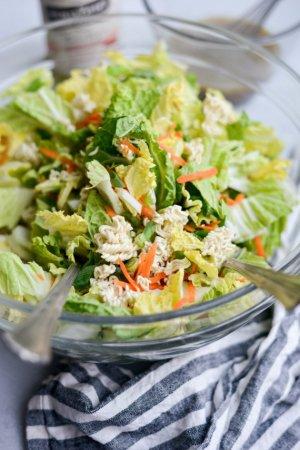 Хрустящий азиатский салат с лапшой