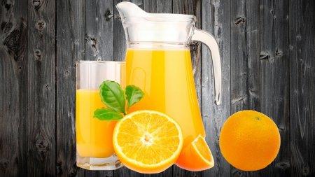 4 литра сока, из 2 апельсинов