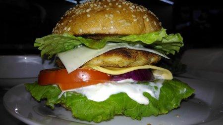 Божественный домашний чикенбургер