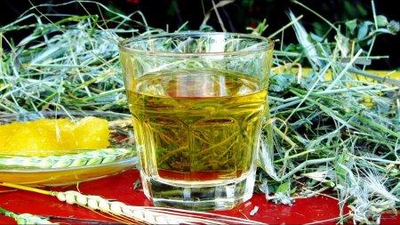 Медово-пшеничный самогон на дубовой щепе