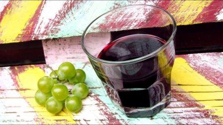 Рецепт наливки из черноплодной рябины и винограда