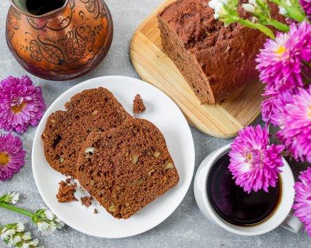 Шоколадно-тыквенный кекс с грецкими орехами