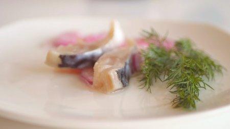 Засолка скумбрии (сельди, красной рыбы) в домашних условиях. Быстро, просто, вкусно