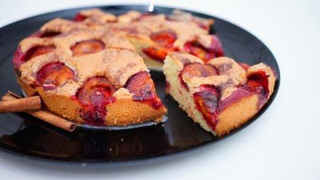"""Сливовый пирог по легендарному рецепту из газеты """"The New York Times"""""""