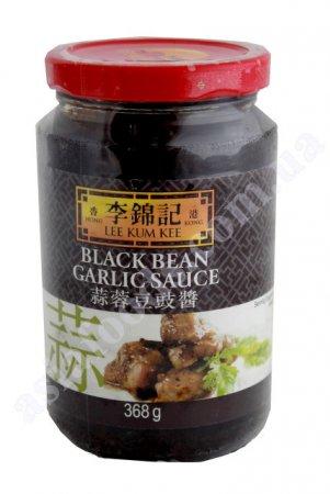 Рисовая лапша с говядиной-гриль и соусом из черной фасоли