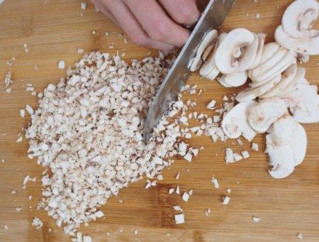 """Говядина """"Веллингтон"""" с грибами, запеченная в слоеном тесте"""