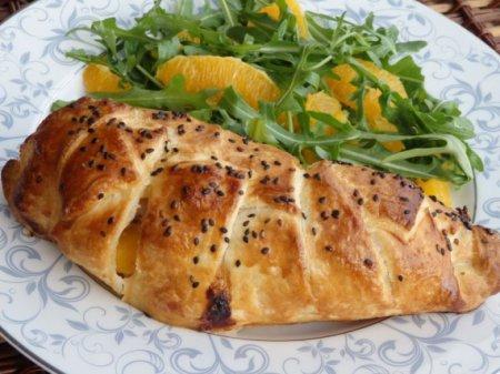Куриное филе с персиком и голубым сыром