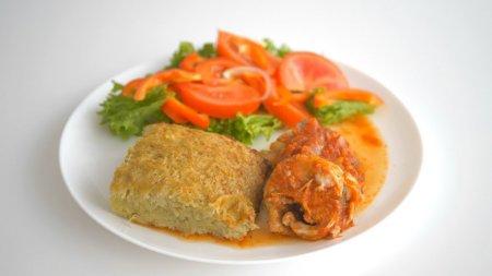 Рыба, запеченная в томатном соусе + картофельная бабка