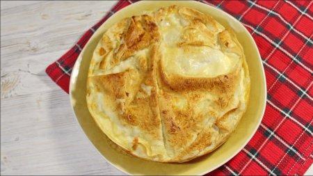 Быстрый пирог из лаваша с начинкой из куриной грудки и овощей