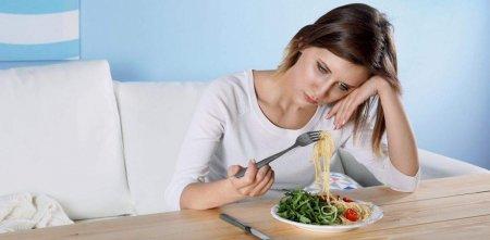 Продукты, которые вызывают депрессию у женщин