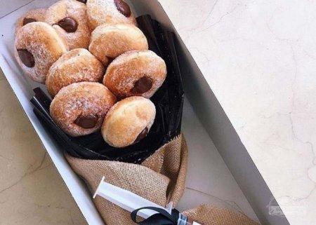 В Сиднее входят в моду букеты из пончиков
