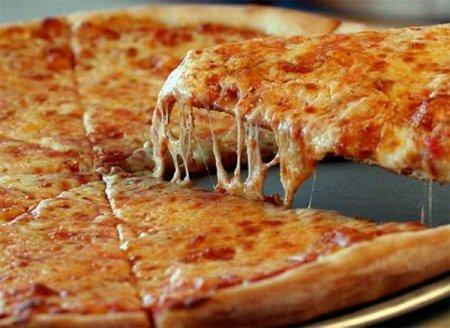 В Калифорнии сделали самую длинную пиццу весом 8 тонн