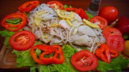 Рыба по-царски запеченная с овощами